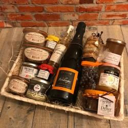 panier-garni-premium-spécialités-Touraine.jpg